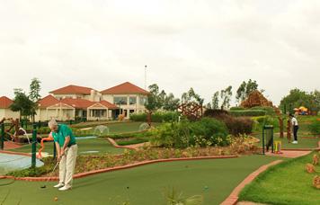 Neonz Resort & Club